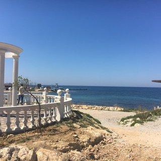 Фото набережной в отеле Крыма для отдых в марте Аквамарин